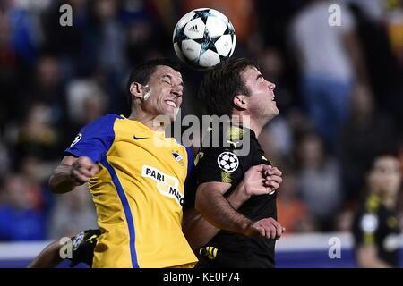 Nicosia, Cyprus. 17th Oct, 2017. Nocosia's Jesus Rueda and Dortmund's Mario Götze vie for the ball during the Champions - Stock Photo