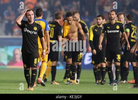 Nicosia, Cyprus. 17th Oct, 2017. Bortussia Dortmund's Mario Gotze (1st L) reacts after the 2017-2018 Champions League - Stock Photo
