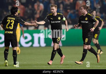 Nicosia, Cyprus. 17th Oct, 2017. Dortmund's Shinji Kagawa (l-r), Marcel Schmelzer and Mario Goetzeduring are happy - Stock Photo
