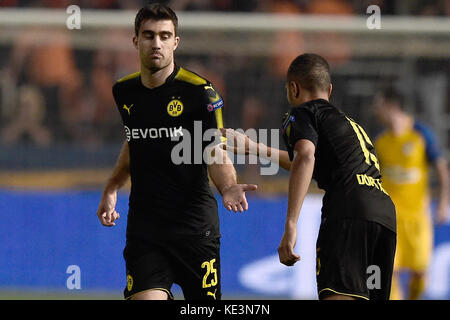 Nicosia, Cyprus. 17th Oct, 2017. Dortmund's Sokratis Papastathopoulos (l) celebrates the 1-1 goal with Jeremy Toljan - Stock Photo