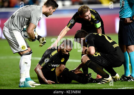 Nicosia, Cyprus. 17th Oct, 2017. Dortmund's Oemer Toprak sitting on the ground after an injury during the Champions - Stock Photo