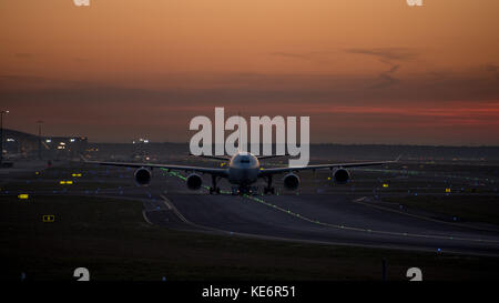 Reisen, Deutschland, Hessen, Frankfurt am Main, Flughafen, October 18. Airbus A340-642  South African Airways mit - Stock Photo