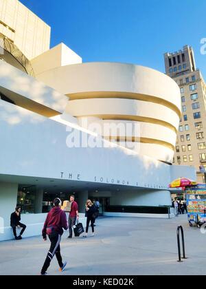 The Solomon R. Guggenheim Museum, New York City - Stock Photo