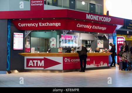 Money exchange kiosk at an airport departure lounge stock photo royalty free image 71022042 - Gatwick airport bureau de change ...