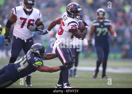 Seattle, Washington, USA. 29th Oct, 2017. October 29, 2017: Seattle Seahawks linebacker Bobby Wagner (54) tackles - Stock Photo