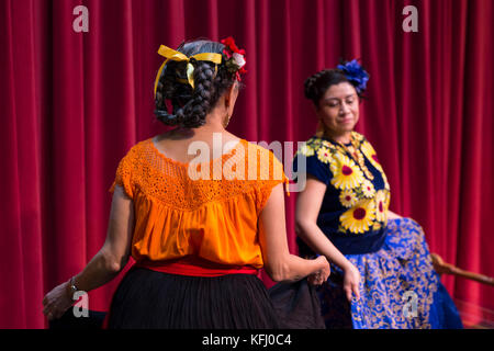 Seattle, United States. 29th Oct, 2017. Seattle, Washington: Los Flacos perform during the Día de Muertos Festival - Stock Photo
