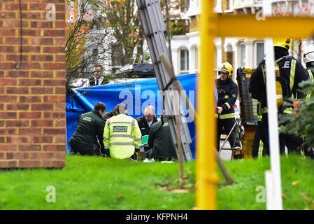 London, United Kingdom. 31st October 2017. A man has been rescued from a house fire in Leythe Road in Acton, London. - Stock Photo