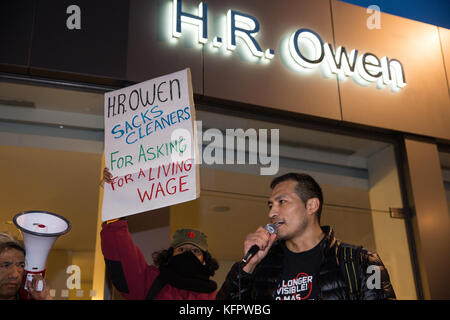 London, UK. 31st October, 2017. Percy Yunganina, President of the United Voices of the World trade union, addresses - Stock Photo