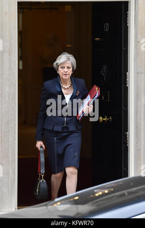 London, United Kingdom. 01st Nov, 2017. UK Prime Minister Theresa May leaves 10 Downing Street bound for the House - Stock Photo