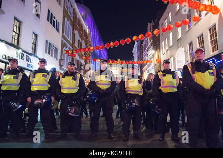London, United Kingdom. 05th Nov, 2017. Million Mask March 2017 takes place in central London. Police forma cordon - Stock Photo