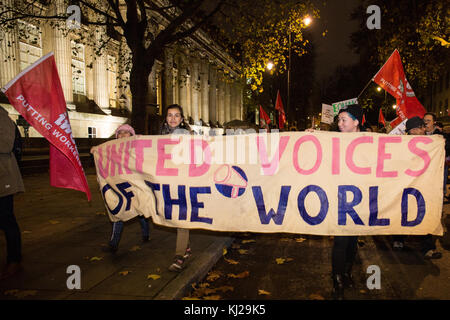 London, UK. 21st November, 2017. A 'United Voices of the World' banner among outsourced workers belonging to the - Stock Photo