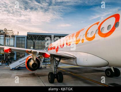 Milan Malpensa, Italy - November 21st, 2017:  Easyjet Airbus A320 airplane at Milan Malpensa airport, servicing - Stock Photo