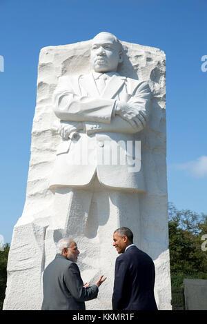 President Barack Obama and Prime Minister Narendra Modi of India visit the Martin Luther King, Jr. Memorial on in - Stock Photo