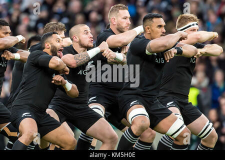 London, UK. 04th Nov, 2017. Haka by the All Blacks during the Killik Cup rugby match between Barbarians FC and New - Stock Photo