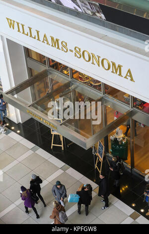 Williams-Sonoma in the Time Warner Center, Columbus Circle, NYC, USA - Stock Photo