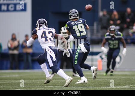 Seattle, WA, USA. 17th Dec, 2017. Seattle Seahawks wide receiver Tanner McEvoy (19) brings in a pass during a game - Stock Photo