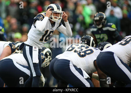 Seattle, WA, USA. 17th Dec, 2017. Los Angeles Rams quarterback Jared Goff (16) calls an audible during a game between - Stock Photo