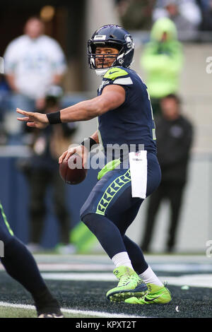 Seattle, WA, USA. 17th Dec, 2017. Seattle Seahawks quarterback Russell Wilson (3) looks to pass the ball during - Stock Photo