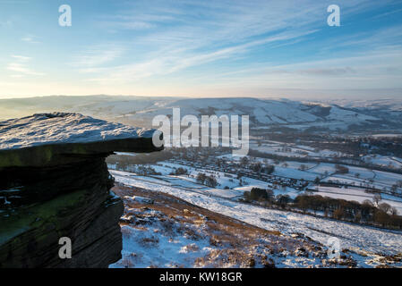 View from Bamford Edge in the Peak District on a cold winter morning. - Stock Photo