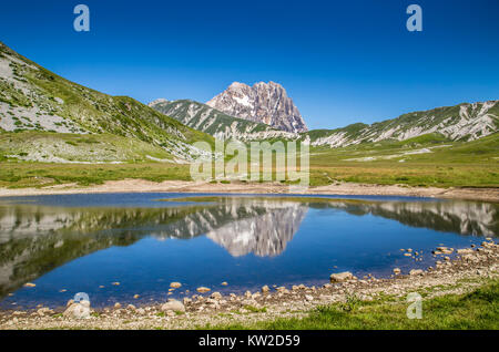 Beautiful landscape with Gran Sasso d'Italia peak at Campo Imperatore plateau in the Apennine Mountains, Abruzzo, - Stock Photo