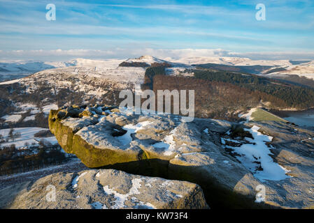 Win Hill seen from Bamford edge on a beautiful snowy morning in the Peak District national park, Derbyshire, England. - Stock Photo