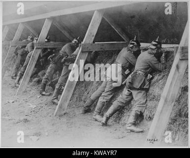 the role of the german military during world war i Us entry into world war the united states later declared war on german representatives from the german navy convinced the military leadership and.