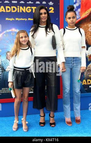 Los Angeles, CA, USA. 6th Jan, 2018. 6 January 2018 - Los Angeles, California - Rachel Roy with daughters Tallulah - Stock Photo