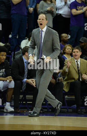 Seattle, WA, USA. 11th Jan, 2018. UW Head Coach Mike Hopkins show his intensity during a PAC12 basketball game between - Stock Photo