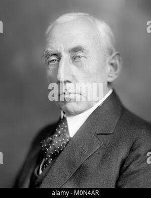 Roald Amundsen. The Norwegian polar explorer Roald Engelbregt Gravning Amundsen (1872-1928) c.1920. - Stock Photo