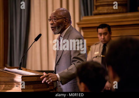 San Francisco, California, USA. 23rd Jan, 2018. Amos Brown, president of the San Francisco NAACP, speaks during - Stock Photo
