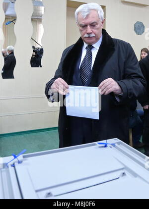 St Petersburg, Russia. 18th Mar, 2018. ST PETERSBURG, RUSSIA - MARCH 18, 2018: St Petersburg Governor Georgy casts - Stock Photo