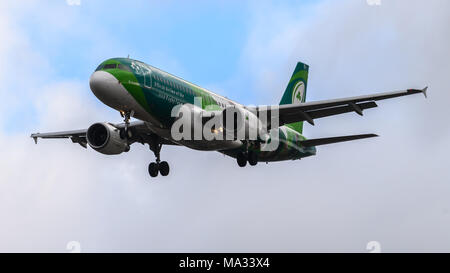 Air Lingus Airbus A320 landing at Heathrow Airport - Stock Photo