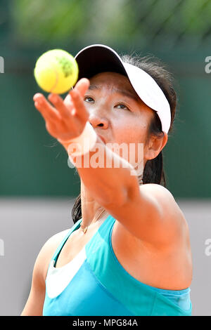 Paris. 23rd May, 2018. Lu Jingjing of China serves to Gabriella Taylor of Britain during the women's singles Qualification 1st round match of French Open in Paris, France on May 23, 2018. Lu lost 0-2. Credit: Chen Yichen/Xinhua/Alamy Live News - Stock Photo