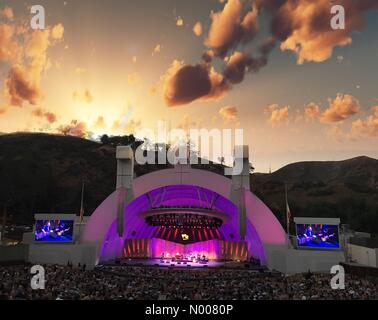 Highland Ave, Los Angeles, California, USA. 20th July, 2016. Hollywood bowl sunset Credit:  dannakinsky/StockimoNews/Alamy - Stock Photo