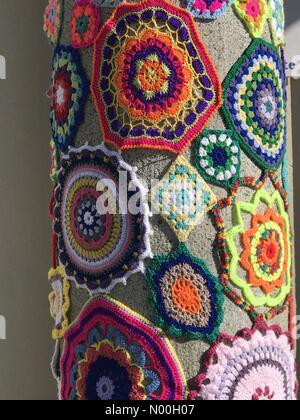 Liskeard, UK. 25th Sep, 2017. Liskeard Cornwall September Wool Fayre . Knitted and crocheted wool wrapped around - Stock Photo
