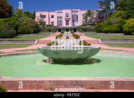 Fountain in garden at a museum, Art Museum of South Texas, Corpus ...