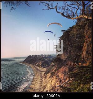 Hand gliding in Santa Barbara - Stock Photo