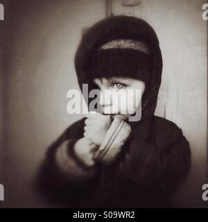 Child looking - Stock Photo