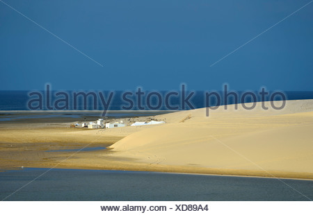 Bedouin tents, sand dune, Inland Sea, desert miracle of Qatar, Khor Al Udeid Beach, auch Khor El Deid, Inland Sea - Stock Photo