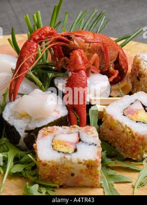reis essen japanische essen sushi grundnahrungsmittel zubereitete gourmet fisch rohen lachs. Black Bedroom Furniture Sets. Home Design Ideas