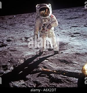 Astronaut Neil Armstrong fotografiert als Befehlshaber für die Apollo 11 Mondlandung am 20. Juli 1969 auf Mond. - Stockfoto