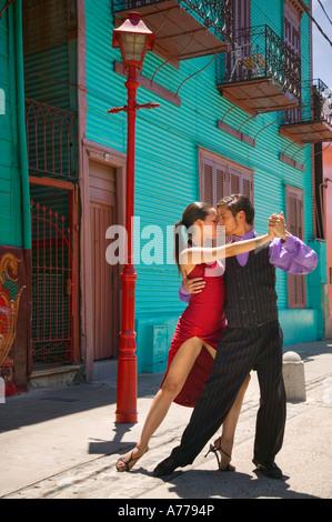 Tango-Tänzer in La Boca in Buenos Aires. - Stockfoto
