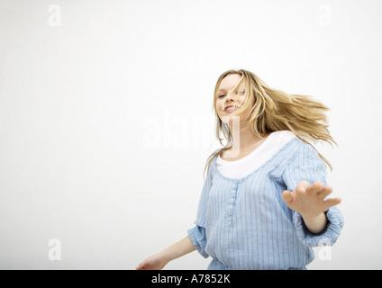 Teenager-Mädchen in Bewegung - Stockfoto