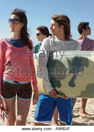 Surfer-Freunde - Stockfoto