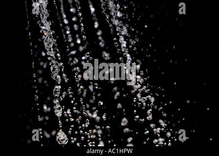 Wasserstrahl aus sprinkler - Stockfoto