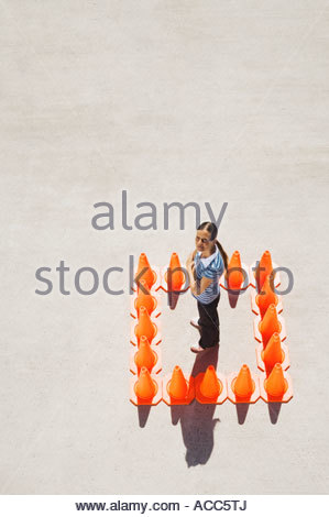 Frau in Box Leitkegel - Stockfoto