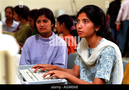 Weiblichen Programmierer in Bangalore werden eine bedeutende Kraft mit dem Software-Markt Indien - Stockfoto