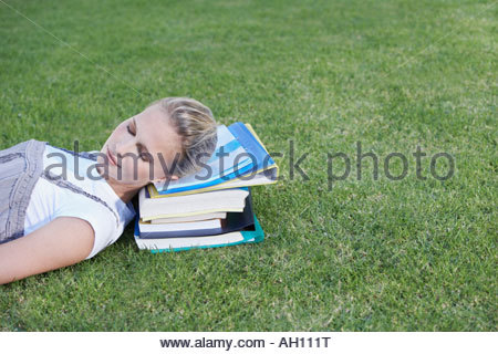 frau handauflegen b cher an einem studium von grass stockfoto bild 42037195 alamy. Black Bedroom Furniture Sets. Home Design Ideas