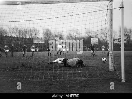 Fußball, Bundesliga, 1965/1966, FC Schalke 04 vs. 1. FC Kaiserslautern 2:1, schoss Stadion Glueckaufkampfbahn in - Stockfoto
