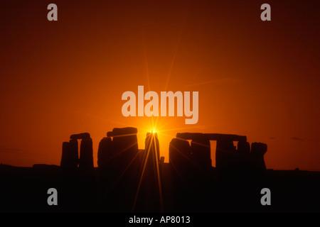 England Wiltshire Stonehenge Sonnenuntergang - Stockfoto